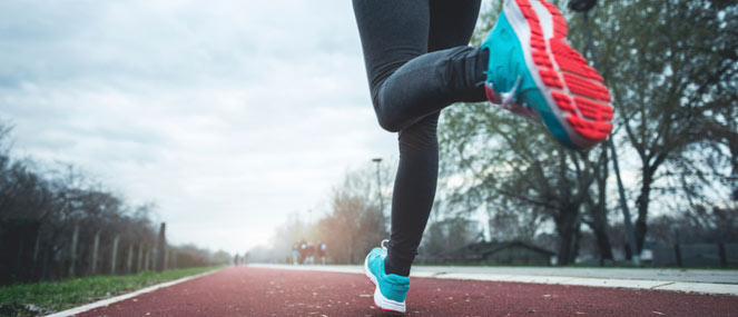 5 running tips to avoid knee pain blackmores for Fish oil for knee pain