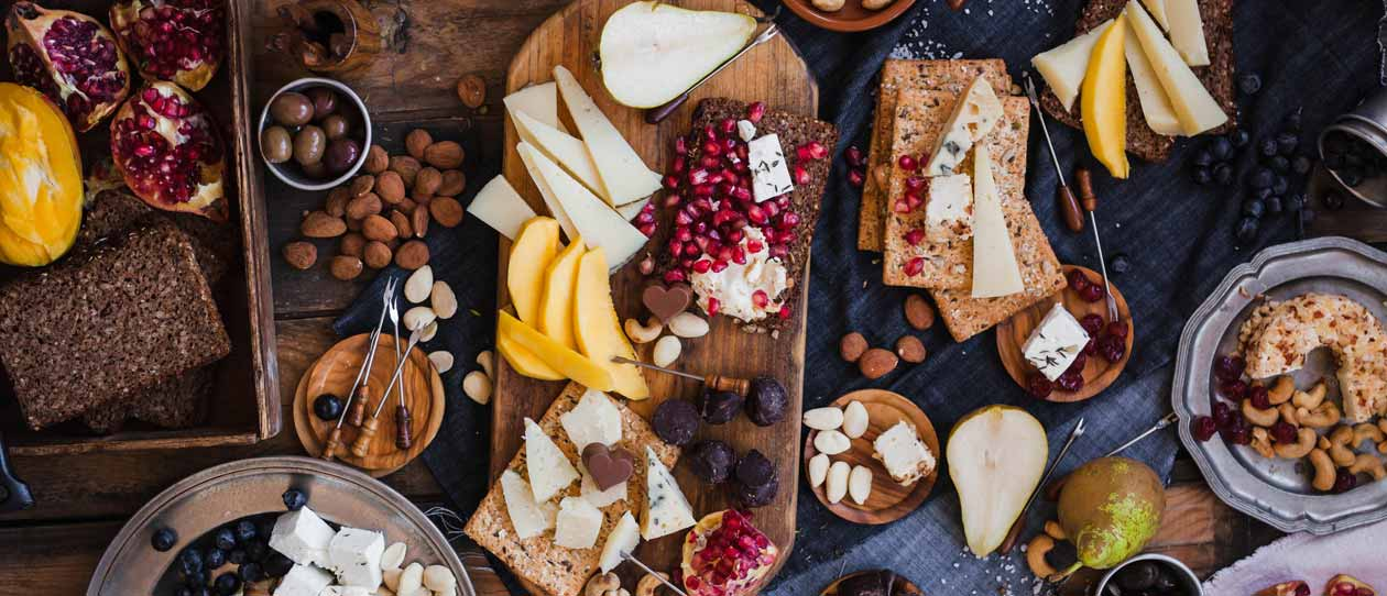 Cheese, fruit and nut platter