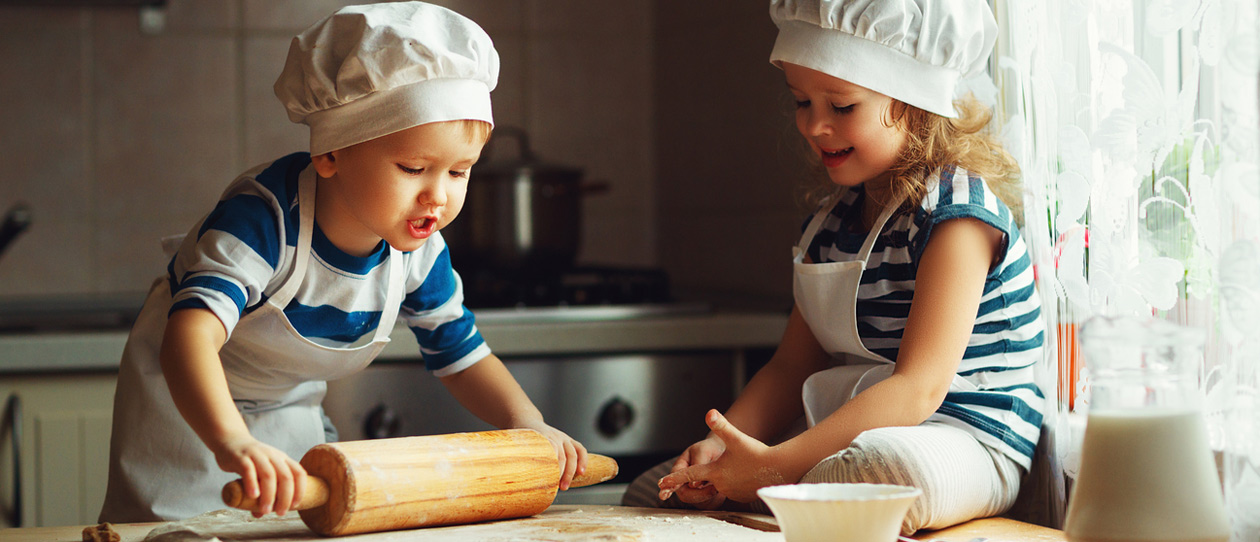 Toddler meals – Quick & easy recipes – Veggie fritters & frittatas. Toddler chefs in kitchen | Blackmores