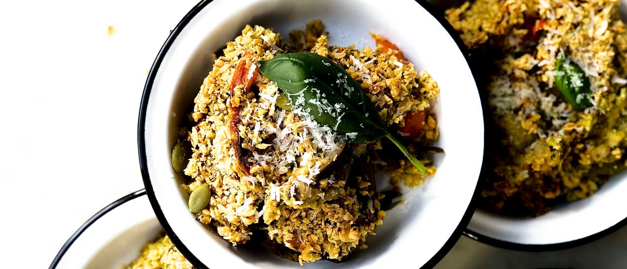 Low FODMAP savoury pesto and vegetable crumble
