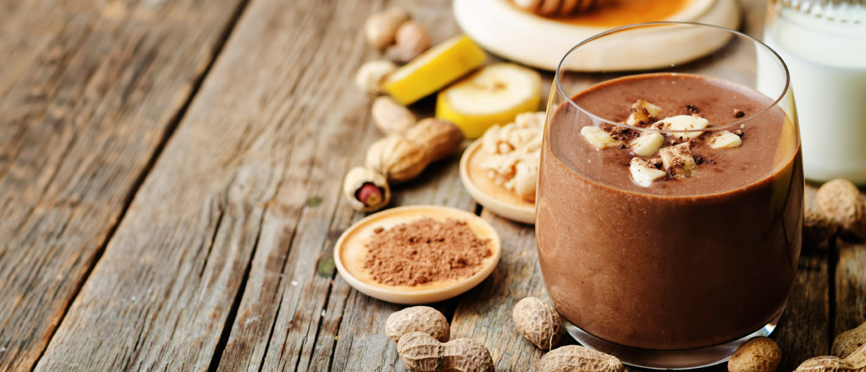 Banana smoothie recipe with raw cacao powder and peanut butter – Great kids' breakfast from Blackmores